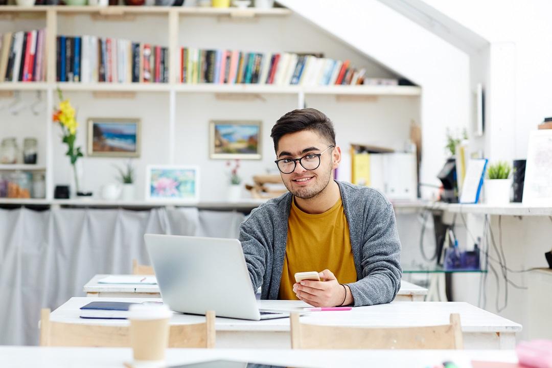 6 Ide bisnis yang cocok untuk mahasiswa - Resmiin